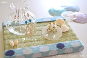 和布かすれ水玉柄の可愛いミニ畳を使った夏仕様のピアスディスプレイ