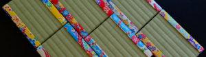 沖縄琉球紅型プリント布を使ったシーサーのためのミニ畳