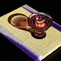 薩摩切子グラスに合わせて作った綸子ぼかし生地を使ったミニ畳