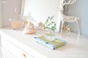 水玉模様の和布を使ったミニ畳のディスプレイ