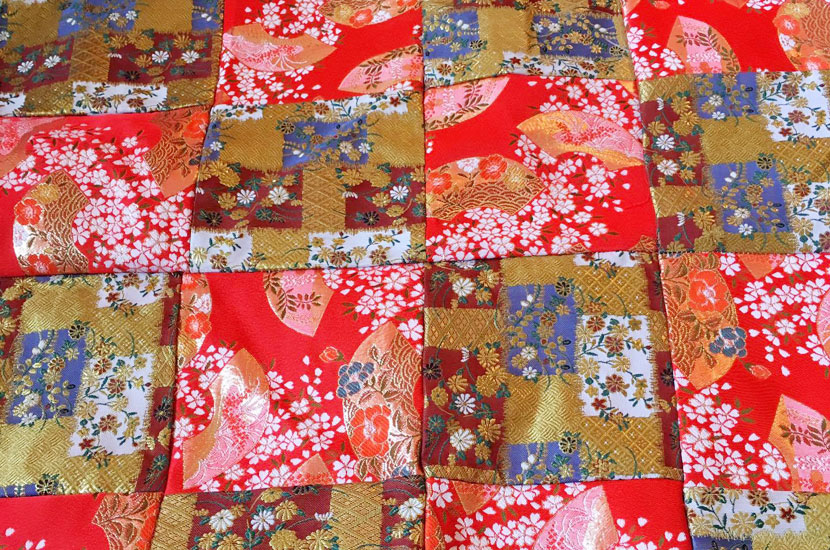 ミニ畳専門店 長南畳店 金襴パッチワークをリメイクしてミニ畳を作りました