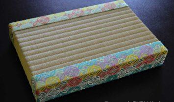 西陣織金襴を使った張り扇台専用厚畳