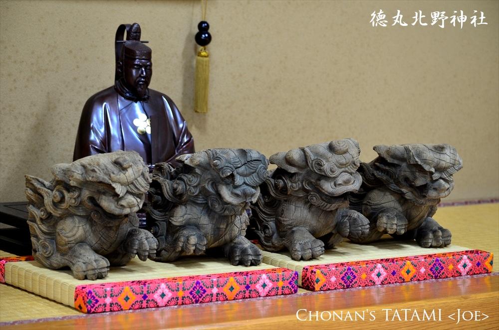 神社の木鼻(獅子鼻)のための厚畳と菅原道真公のご神像